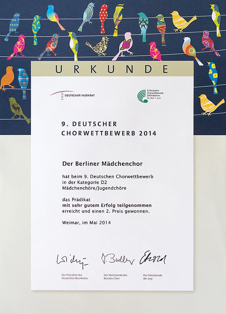 Chorwettbewerb 2014 in Weimar: Urkunde für den Berliner Mädchenchor