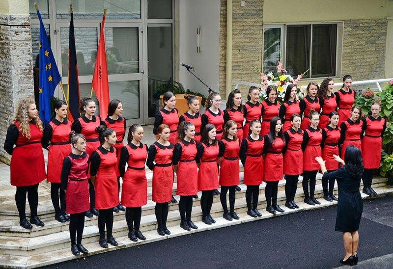 Maedchenchor Albanien vom Kunst-Lyzeum Jordan-Misja, Tirana