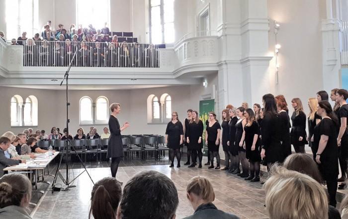 Vokalconsort des Berliner Mädchenchores: Wertungssingen beim Deutschen Chorwettbewerb in der Christuskirche, Freiburg